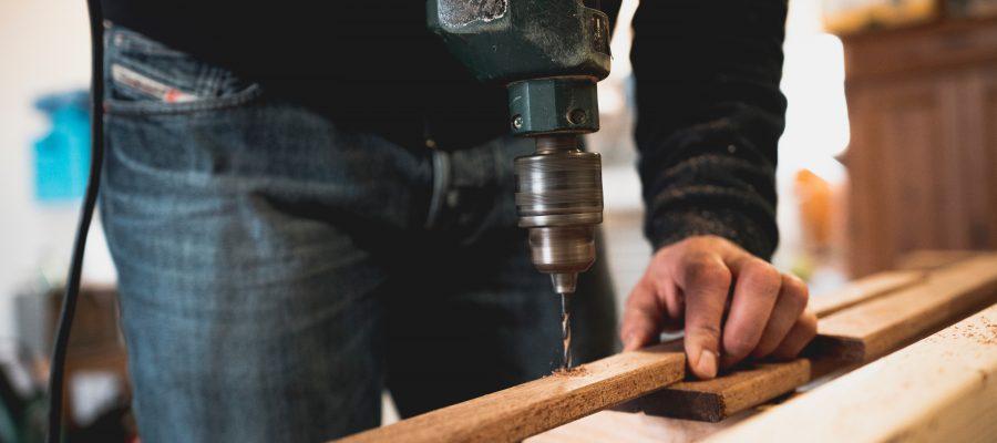 Blick auf handwerkliche Tätigkeit