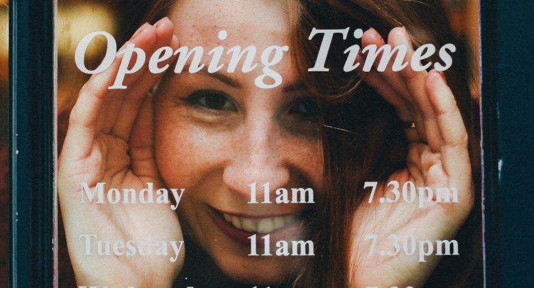 Blick auf Öffnungszeiten