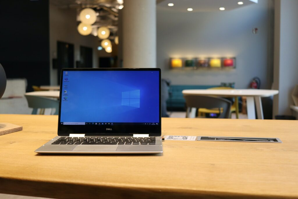 Blick auf einen Windows-Laptop